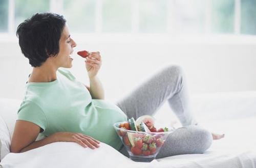 Bầ bầu bị tiểu đường  cần giảm món ăn chứa lượng đường cao