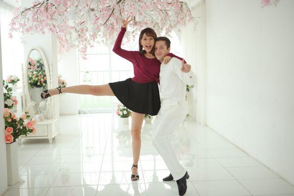 Chi Pu và bạn nhảy trong cuộc thi Bước nhảy hoàn vũ 2015