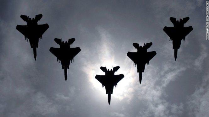 Mỹ triển khai chiến đấu cơ F-15 tập trận