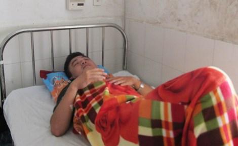 Trung úy công an Nguyễn Thành Trung nhập viện trong tình trạng đa chấn thương, dập lá lách