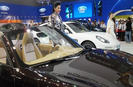 Hiệp hội VAMA cho rằng giá xe năm 2015 sẽ không giảm vì chính sách ô tô liên quan đến thuế suất nhập khẩu
