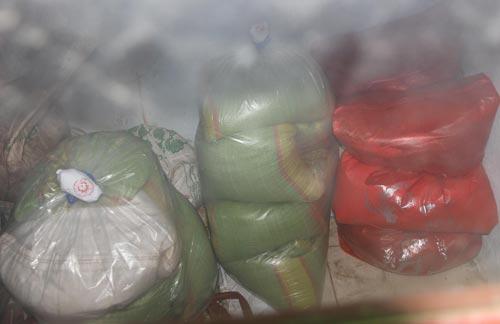 Hiện số gạo từ thiện đã được niêm phong để phục vụ công tác điều tra, làm rõ nguyên nhân khiến người dân bị ngộ độc thực phẩm