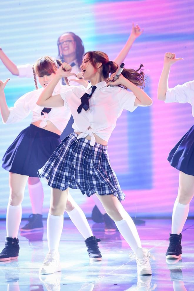 Khả năng vũ đạo đẹp mắt, Đông Nhi hứa hẹn sẽ làm bùng nổ chung kết The Remix
