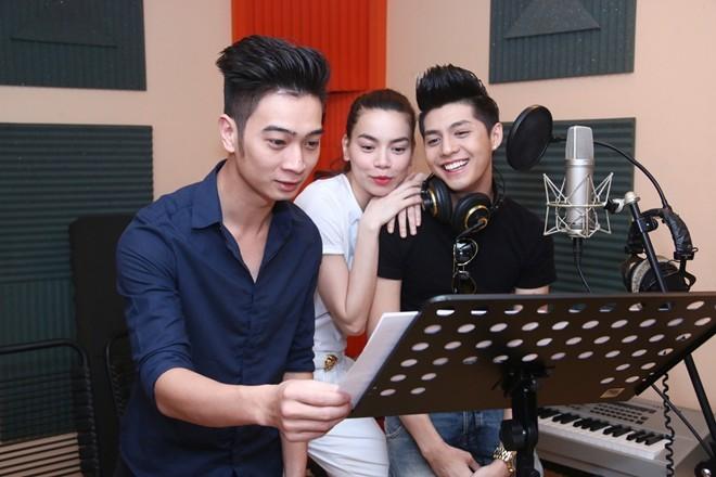 Nhà sản xuất từng tham gia The Remix là nhạc sĩ phối khí cho ca khúc mới của Hà Hồ