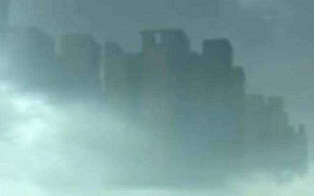 Cư dân mạng Trung Quốc đang hết sức sửng sốt vì câu chuyện lạ có thật thành phố bí ẩn đột ngột xuất hiện trong mây