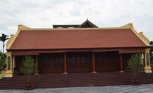 Hiện ở xã Thủy Triều có khoảng 150 ngôi nhà dựng bằng gỗ lim
