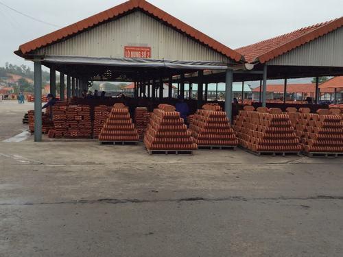 Các sản phẩm đã hoàn thiện và được sắp xếp gọn gàng trước khi được đưa lên xe chuyên chở