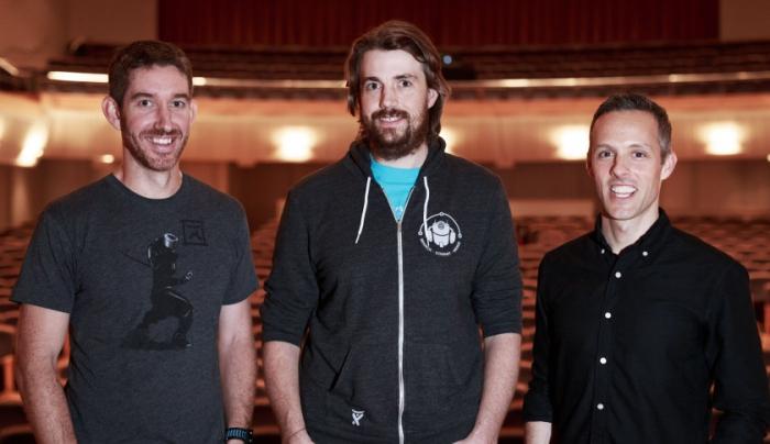 Từ trái sang phải: Đồng sáng lập/đồng CEO Atlassian: Scott Farquhar và Mike Cannon-Brooks; Chủ tịch Jay Simons