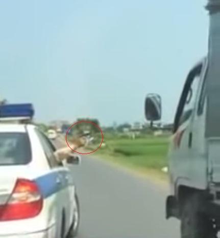 CSGT nổ 3 phát súng chỉ thiên để dừng xe tải