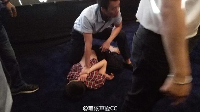 Fan cuồng tấn công Lưu Diệc Phi bị bắt giữ ngay sau đó