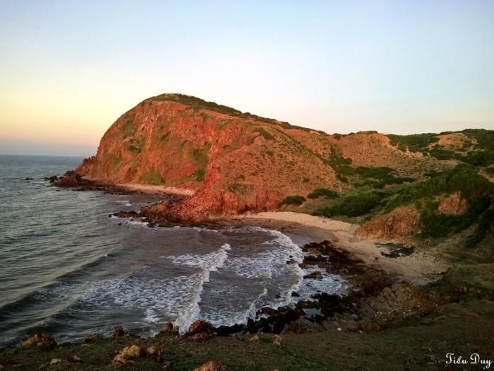 'Ngẩn ngơ' trước vẻ đẹp của Mũi Yến Bình Thuận