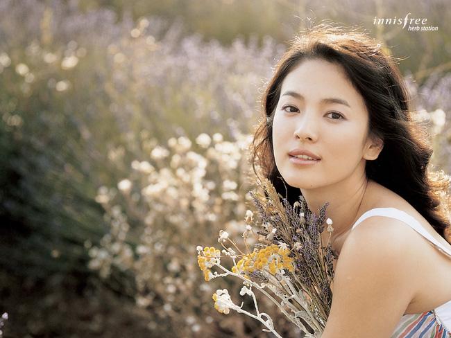 Sao 'Hậu duệ mặt trời' lọt top nghệ sĩ quyền lực nhất làng giải trí Hàn Quốc
