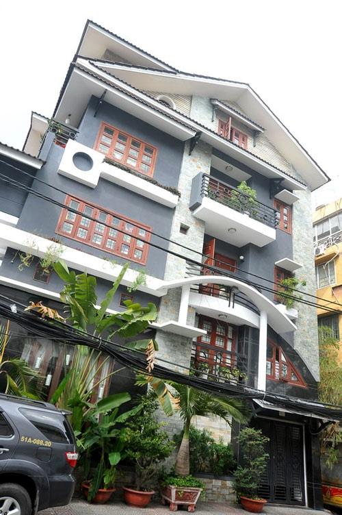 Biệt thự xa hoa hơn 40 tỷ đồng của vợ chồng Lý Hải - Minh Hà