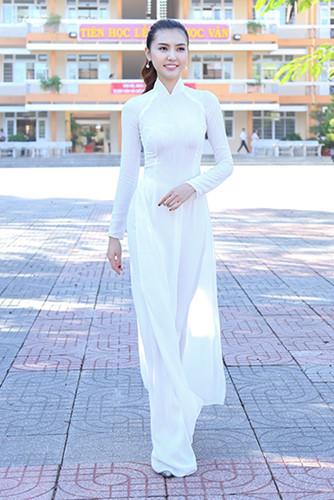 Ngắm nhan sắc sao Việt khi mặc áo dài