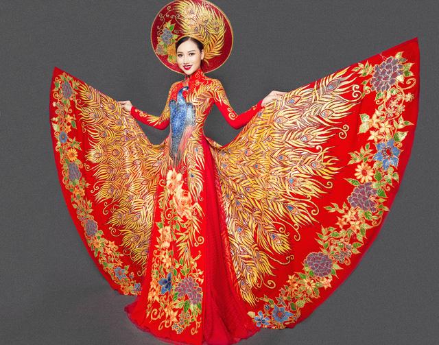 Hoàng Thu Thảo khoe trang phục dân tộc lộng lẫy tại Hoa hậu châu Á Thái Bình Dương