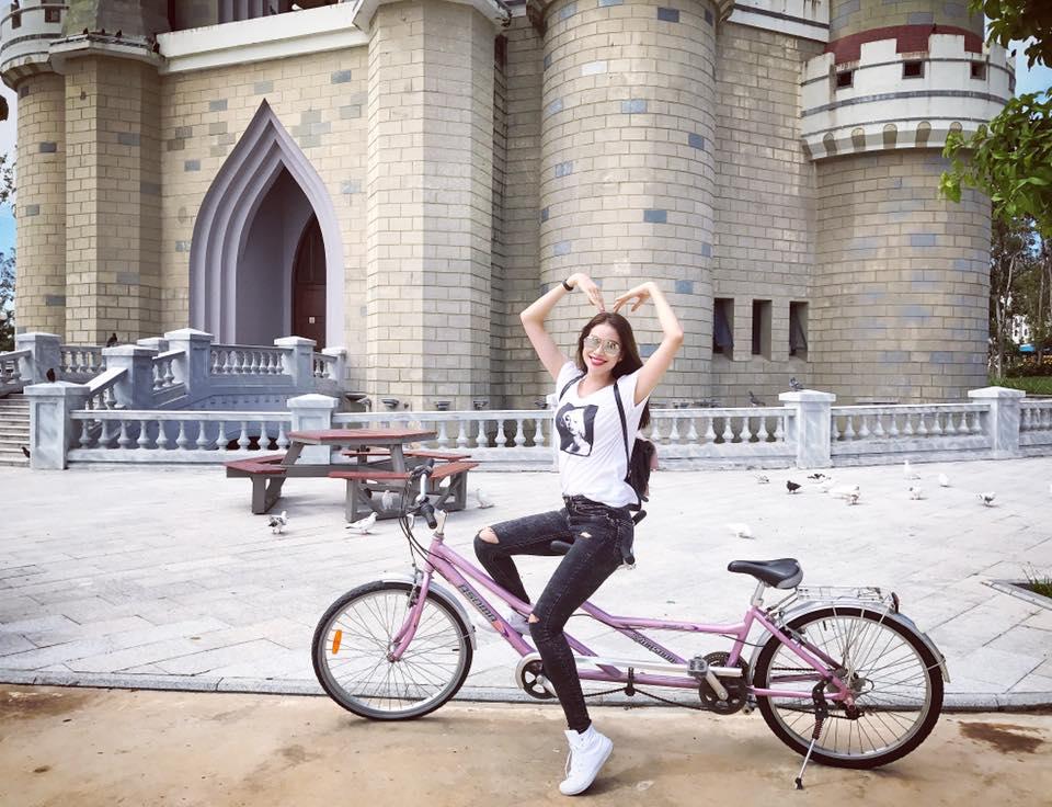 Phản ứng của Phạm Hương khi bị chê 'không xứng làm Hoa hậu hoàn vũ'