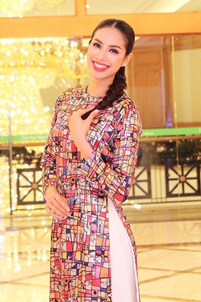 Phạm Hương ngày càng trẻ trung với những lần 'biến hóa' kiểu tóc