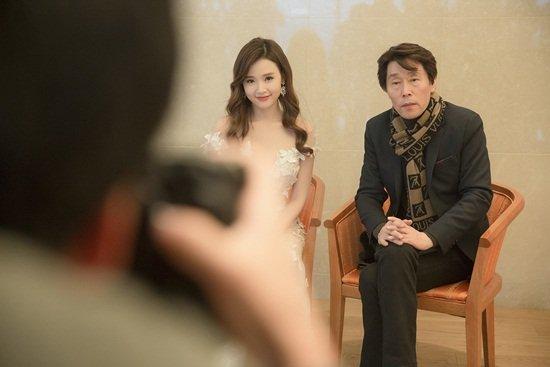 Midu nhận giải 'Diễn viên Châu Á xuất sắc' tại Hàn Quốc