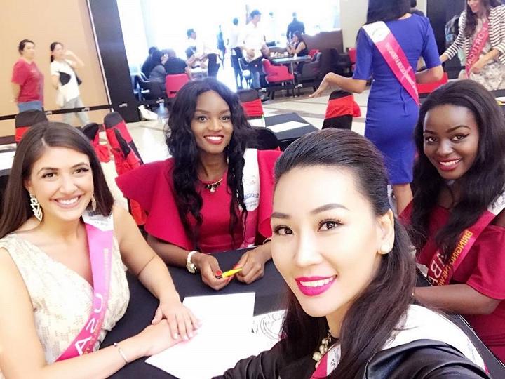 Cận cảnh bộ trang phục dân tộc của Phạm Thùy Linh tại Hoa hậu Du lịch Quốc tế 2016