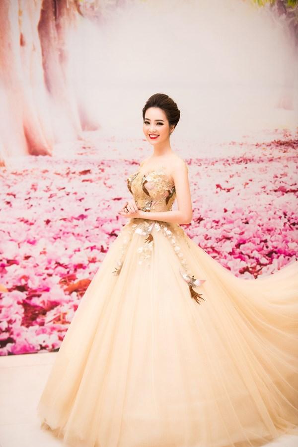 Chi Pu, Huyền My, Angela Phương Trinh mặc đẹp nhất tuần qua