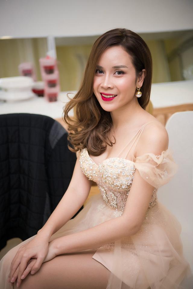 Cận cảnh nhan sắc ca sĩ Lưu Hương Giang sau phẫu thuật thẩm mỹ