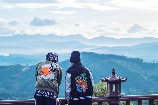 Giới trẻ đang truy lùng 'tiên cảnh' trong MV mới của Sơn Tùng