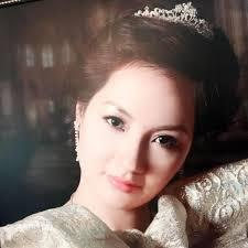 Cận cảnh nhan sắc xinh đẹp, trẻ trung của mẹ Hoa hậu Thu Ngân