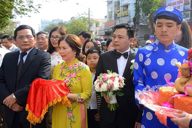 Hoa hậu Thu Ngân và chồng đại gia mời 1.000 khách tới dự tiệc cưới