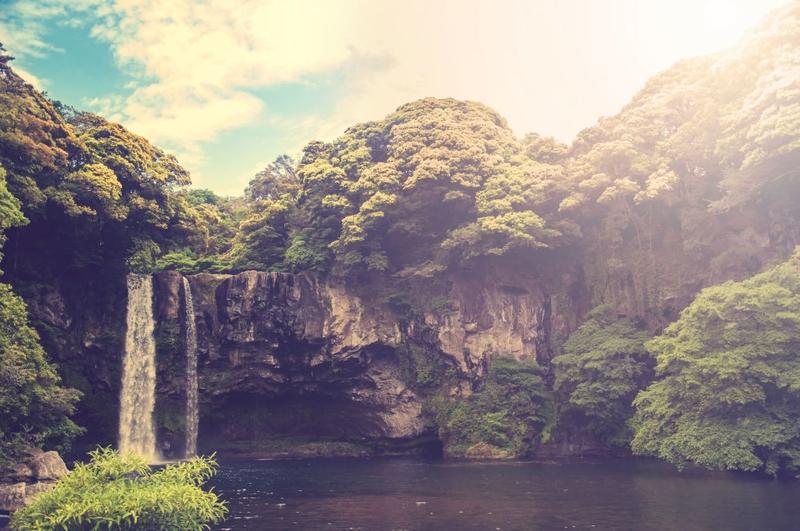 Bản Giốc lọt top những thác nước đẹp nhất thế giới do báo Nga bình chọn