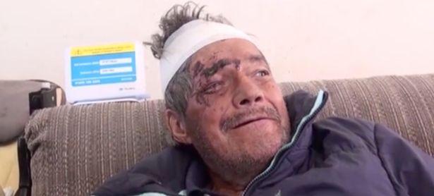Ông Miguel trở về nhà trong sự kinh ngạc, bất ngờ của người thân. Ảnh: El Diaro
