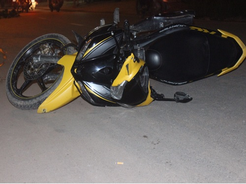 tai nạn giao thông mới nhất ngày 18/11: 2 bà cháu bị xe máy tông trực diện, bé trai văng xa 5m