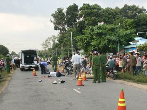 Tai nạn giao thông ngày 30/11: Bánh xe tải cán qua người, hai nạn nhân chết tại chỗ
