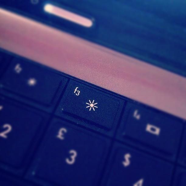 mach-ban-7-cach-tiet-kiem-pin-hieu-qua-cho-laptop