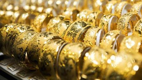 Giá vàng thế giới tiếp tục đứng ở mức cao.