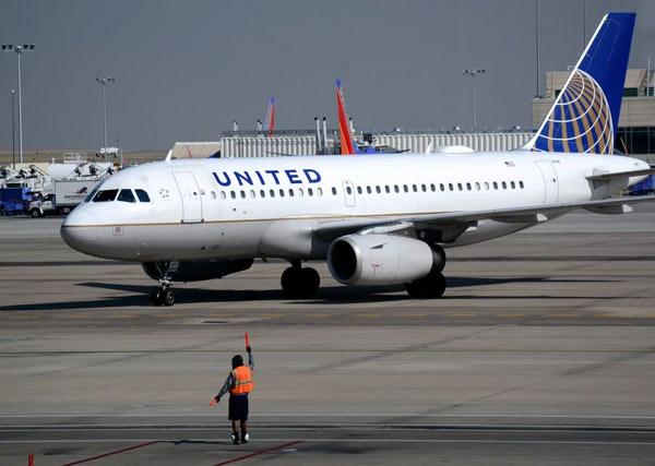 united-airlines-khoi-kien-nguoi-tung-video-loi-david-dao-tren-may-bay