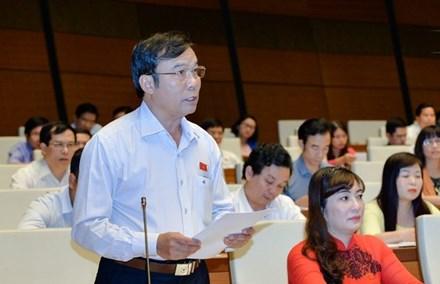 Đại biểu Quốc hội Nguyễn Bá Sơn nói về vụ mua ''đất vàng'' giá thấp rồi bán giá cao. Ảnh: Tiền phong