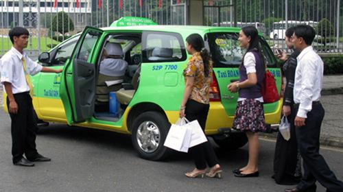 dich-vu-di-chung-xe-cua-grab-uber-bi-bo-giao-thong-van-tai-tuyt-coi