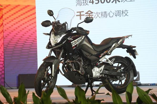 moto-phuot-honda-cb190x-chinh-thuc-ra-mat-tai-thi-truong-trung-quoc