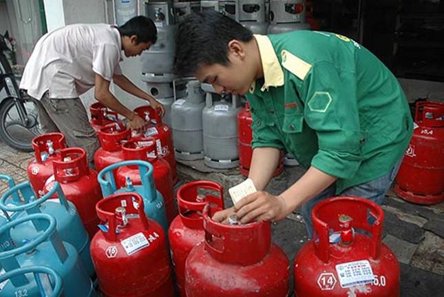 tu-19-gia-gas-tiep-tuc-tang-manh-16000-dongbinh-12-kg