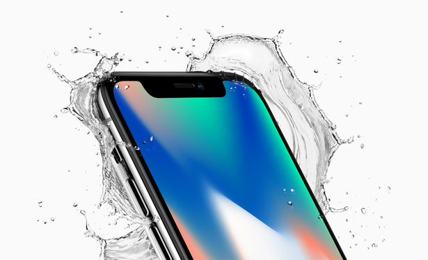 iphone-x-va-galaxy-note-8-dat-len-ban-can-2-sieu-pham