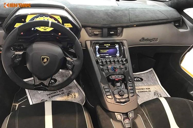 lamborghini-aventador-sv-roadster-mui-tran-gia-39-ty-dong-bat-ngo-xuat-hien-tren-duong-pho