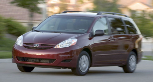 day-la-ly-do-hang-xe-toyota-trieu-hoi-hon-310000-xe-sienna