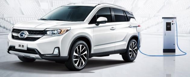 xe-suv-hybrid-moi-cua-mitsubishi-gia-749-trieu-trinh-lang