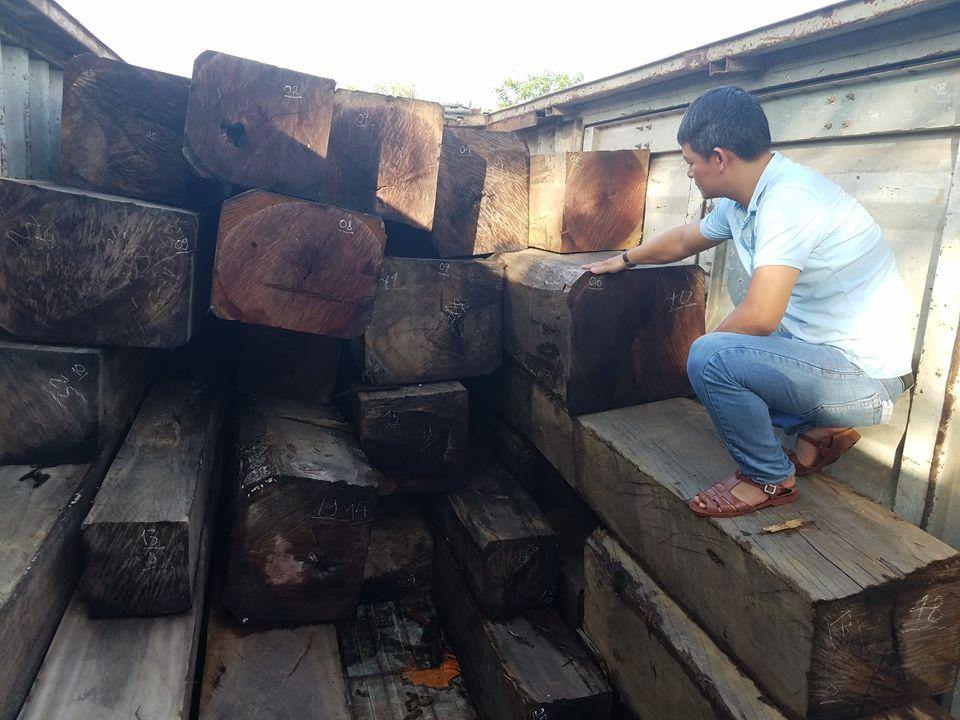 kong-chro-gia-lai-bat-giu-xe-container-cho-gan-50-m3-go-lau-de-nghi-khoi-to-vu-an