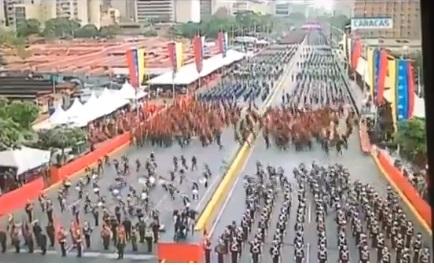 khoanh-khac-tong-thong-venezuela-bi-am-sat-hut-khi-dang-truc-tiep-truyen-hinh