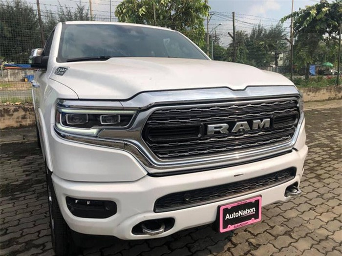 co-gi-o-chiec-ban-tai-ram-1500-limited-doi-2019-dau-tien-ve-viet-nam