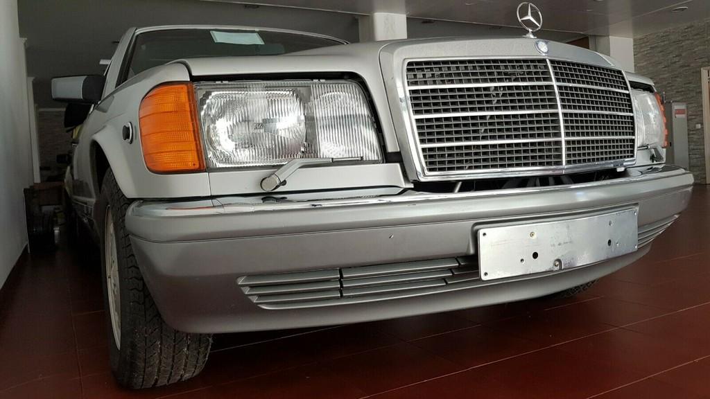 co-gi-dac-biet-o-chiec-xe-co-mercedes-560-sel-doi-1986-duoc-rao-ban-voi-gia-gan-4-ty-dong