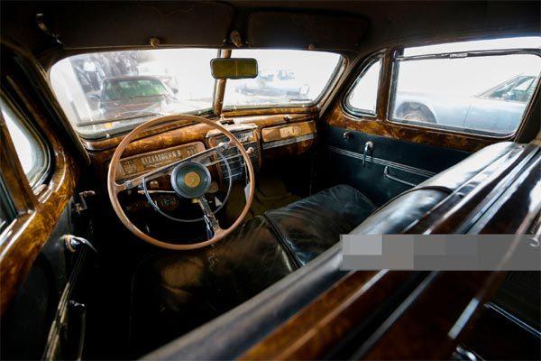 sieu-xe-limousine-gan-3-trieu-usd-cua-lanh-tu-lien-xo-stalin-bi-danh-cap-giua-thu-do-moscow