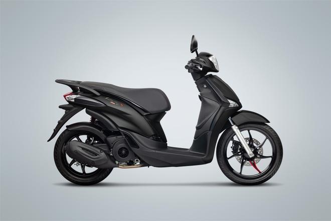 piaggio-liberty-s-black-series-xe-ga-moi-585-trieu-dong-vua-ra-mat-viet-nam-co-gi-hap-dan