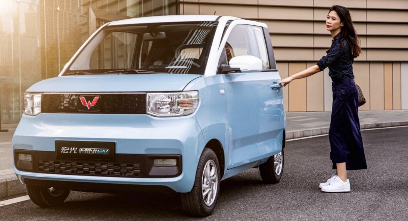 wuling-hongguang-mini-ev-cabrio-xe-dien-mui-tran-gia-chi-100-trieu-dong